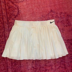 Nike Victory Tennis Skirt - White - size Large